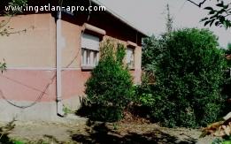 Nyíregyháza-Oros kertvárosban családi ház eladó.